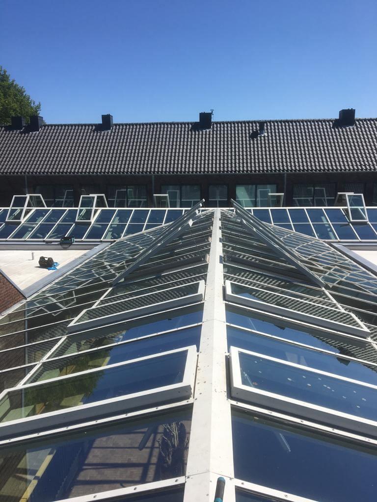 Onderhoud glazen dak